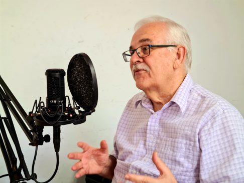 Stephen Duckett talking on a podcast