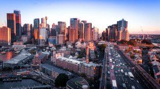 Morning traffic on Sydney's western distributor road